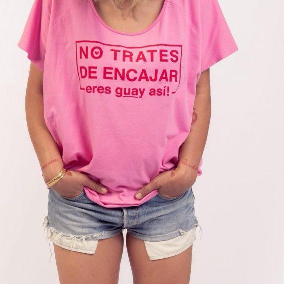 Camiseta no trates de encajar